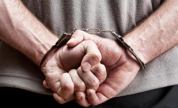 Female Dwarf Handcuff